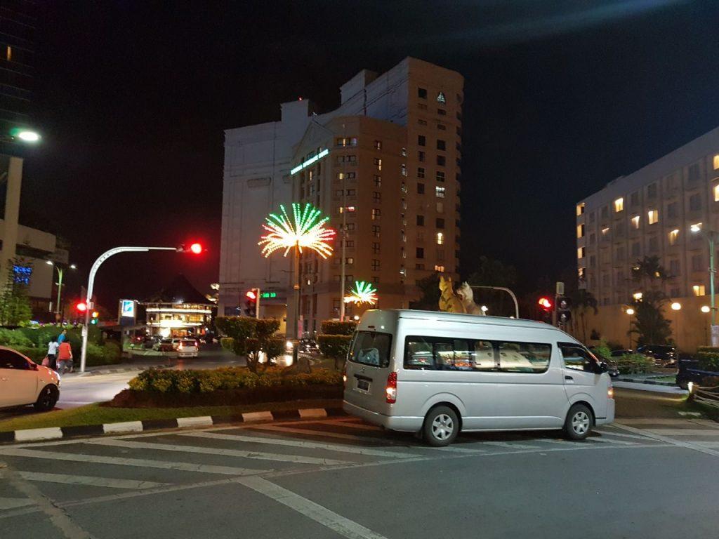 paket tour pontianak - kuching Malaysia